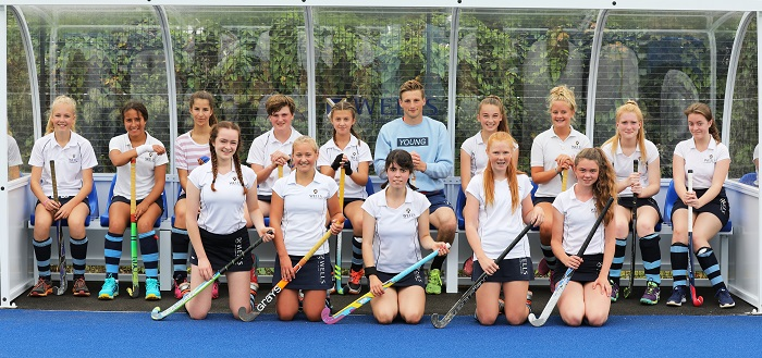 Students get first chance to try out new hockey surface