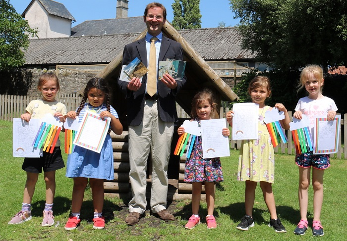 School pupils and staff write letters to spread happiness